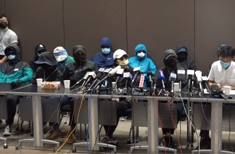 """Family members of 12 Hongkongers imprisoned in China give press conference. (<a href=""""https://www.facebook.com/watch/live/?v=2995718043883632&ref=external"""" target=""""_blank"""">Stand News</a>, screenshot)"""