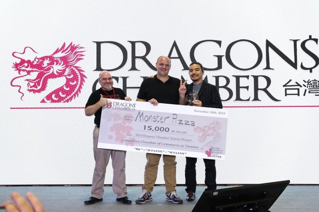 Dragons' Chamber 2019 winner Monster Food's Alex Wagner and Dragons Elias Ek and Fred Chak. (Dragonschambertaiwan.com photo)