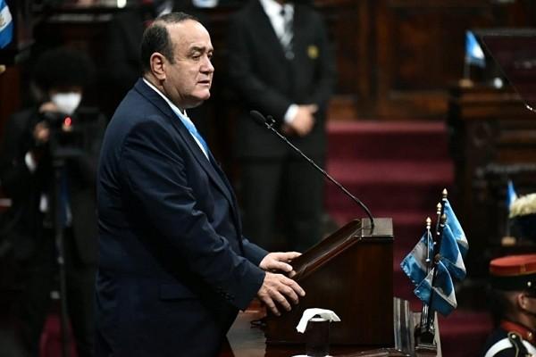 Guatemalan President Alejandro Giammattei tests positive for COVID-19. (Twitter photo)