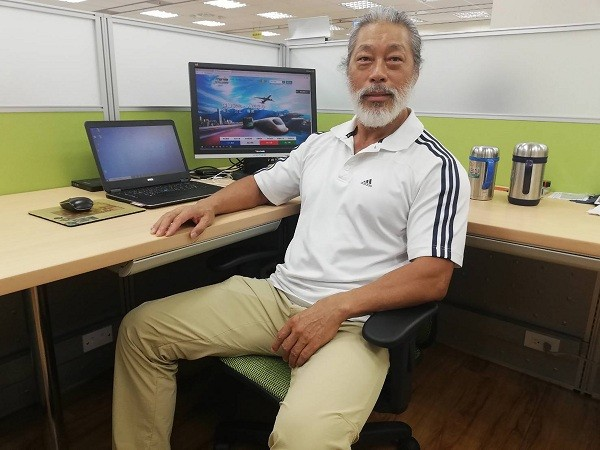 Taiwanese bodybuilding champion encourages older people to strengthen