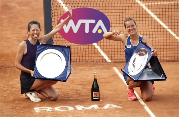 Hsieh Su-wei and Barbora Strycova secure women's doubles title in Rome. (Facebook, Hsieh Su-wei photo)