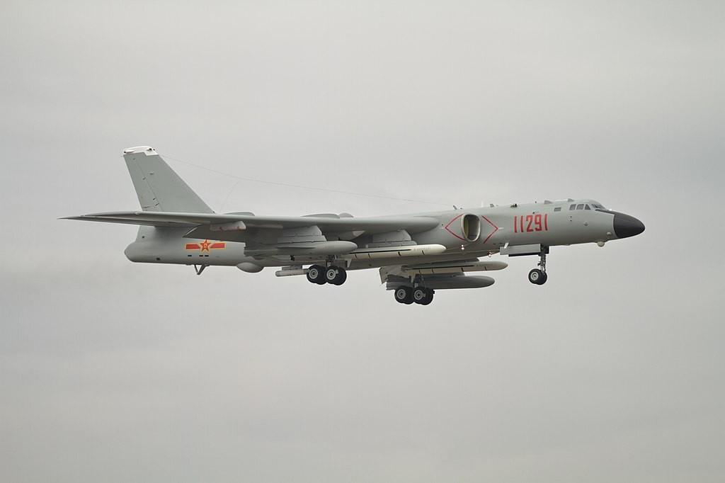 A Chinese Xi'an H-6 bomber (Wikimedia, alert5 photo)