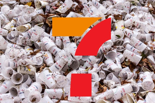 7-Eleven generates more than 1,500 pieces of plastic waste per minute in Taiwan.(Unsplash Photo)