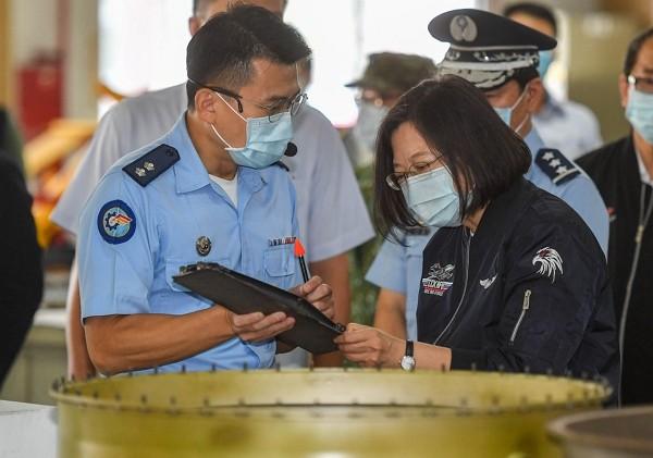 Tsai Ing-wen (right) visits Taiwan air base in Kaohsiung.
