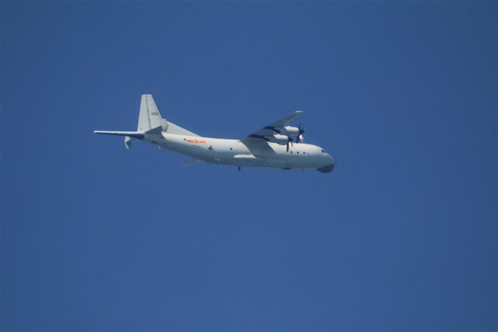 Chinese Shaanxi Y-8 plane (MND photo)