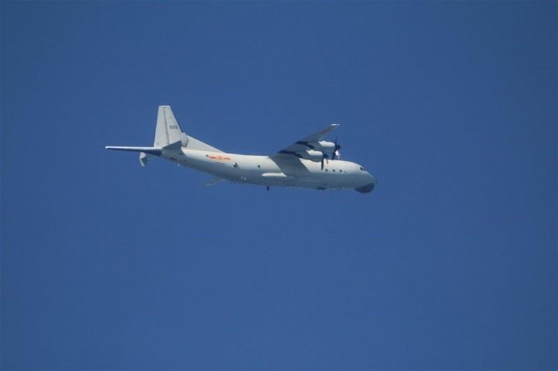 共軍1架運8反潛機(圖)15日晚也曾侵犯台灣西南防空識別區(ADIZ)。(國防部. 中央社)