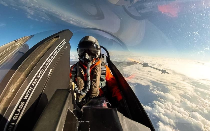 Taiwanese F-16 pilot. (Military News Agency photo)