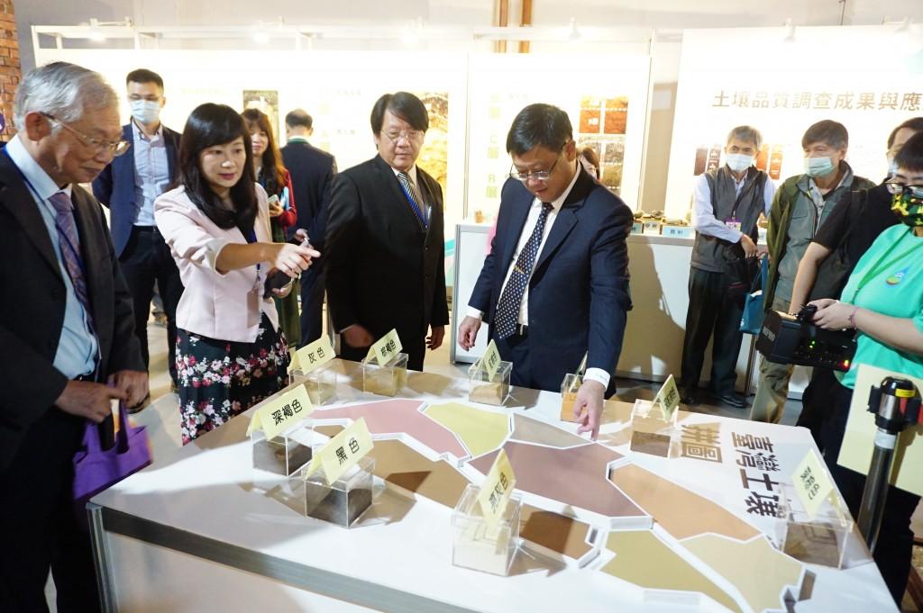 「聽,見土水台灣生生不息」土壤及地下水污染整治法20週年特展。(照片由環保署提供)