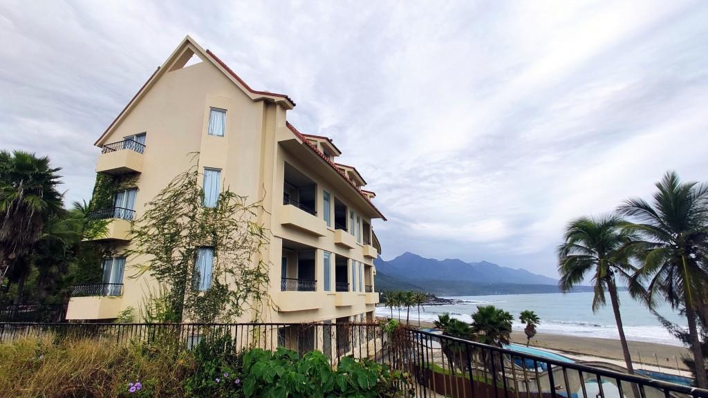 Taitung County will buy the empty Miramar Village Resort