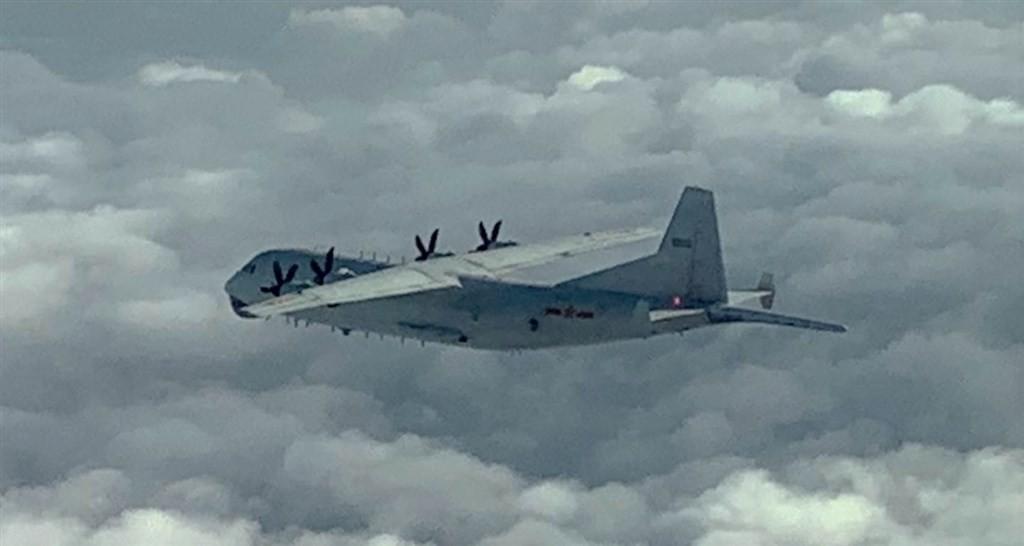 Chinese Y-8(MND photo)