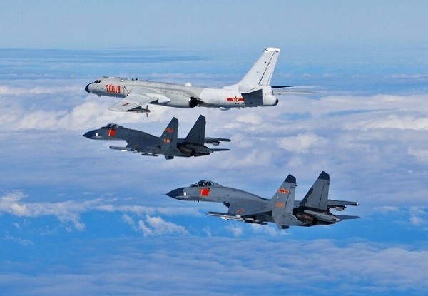 H-6K bomber and Su-30 fighters. (PLA photo)