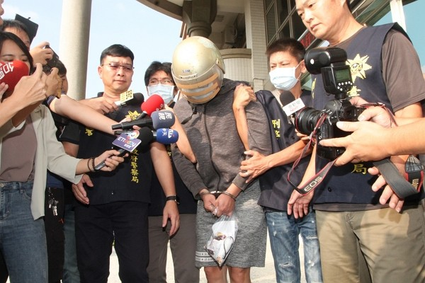 Suspect (center) of Malaysian student murder case.