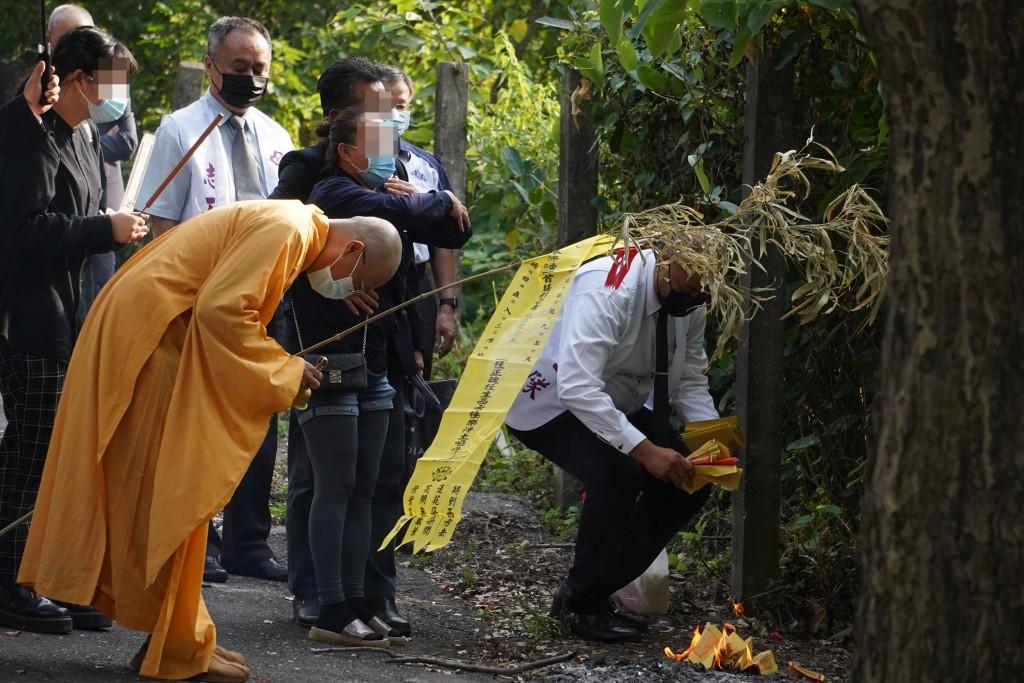 台灣長榮大學馬來西亞籍女學生遺體3日火化 校方下午將為鍾女舉行追思會•梁嫌雙親發聲明、盼兒子「以命償命」