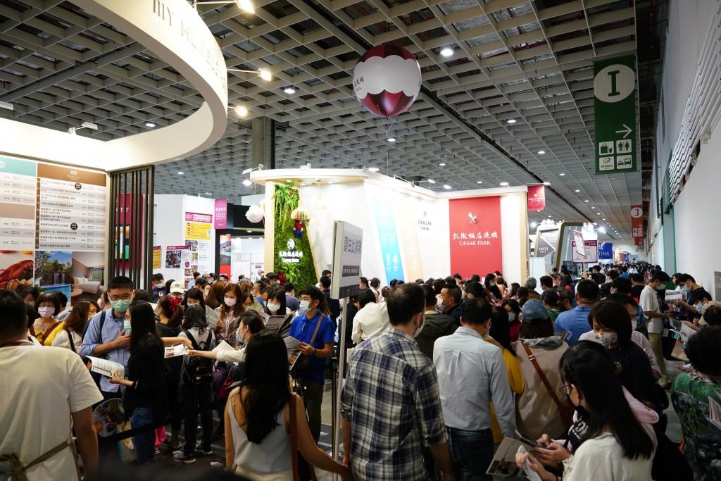 2020年ITF台北國際旅展參展攤位自1700個降至1000個,逛展人數也較去年下降56.7%,但買氣不減,許多業者業績甚至翻倍成長。