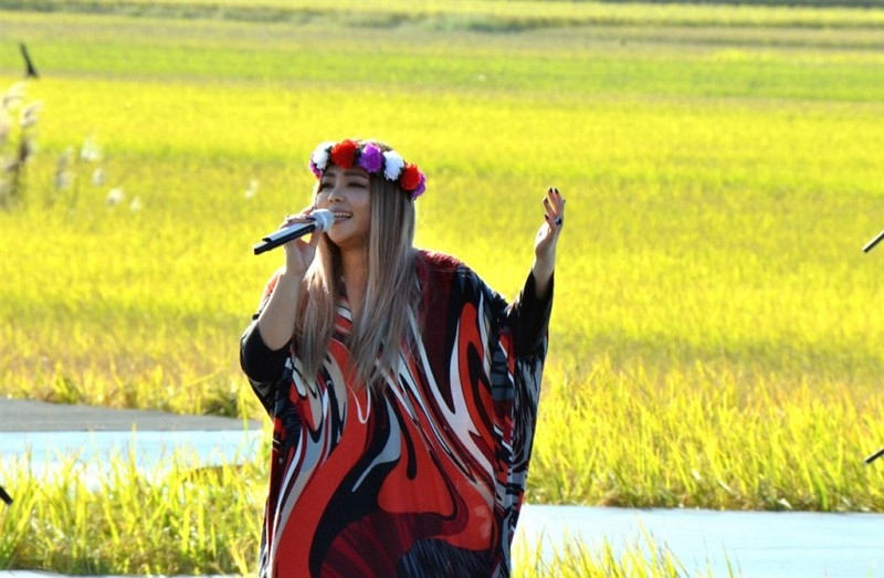 A-Mei performs in Taitung.