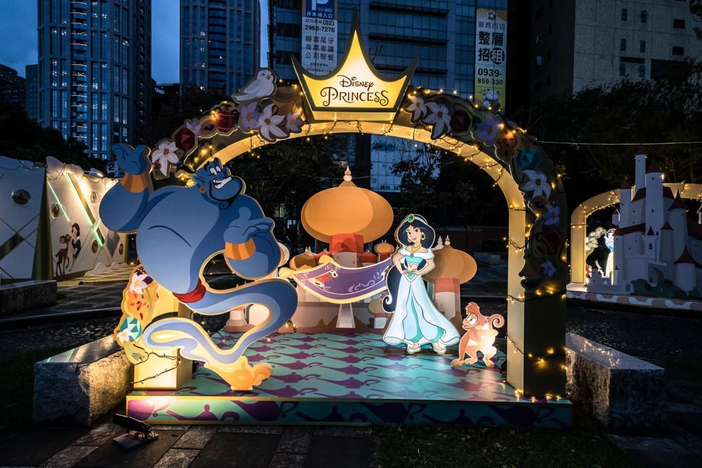 打造迪士尼經典童話森林   台灣新北耶誕城6大絕美IG打卡點報你知