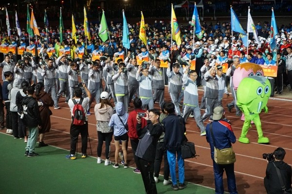 Athletes march at opening ceremony of 2020 Kinmen County Games.