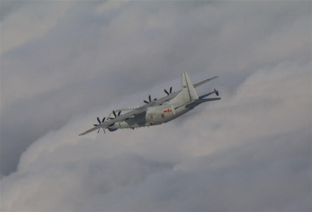 Chinese Y-8on Nov. 12 (MND photo)