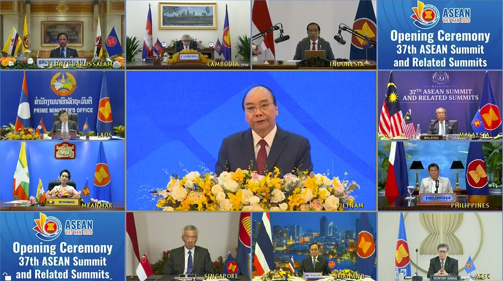 Vietnamese Prime Minister Nguyen Xuan Phuc (center) opened the online ASEAN summit where the RCEP agreement will be signed