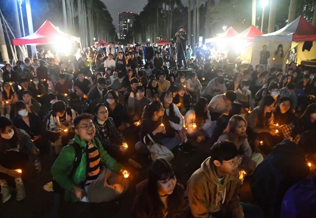 【五天3事故】台灣大學墜樓男生情況穩定 學生會14日晚舉辦燭光晚會•社會系18老師發起「互挺團」