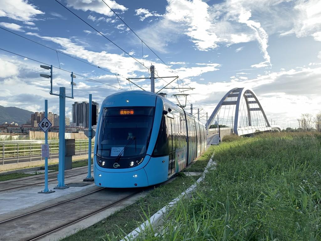 北台灣淡海輕軌藍海線15日通車 免費搭乘一個月