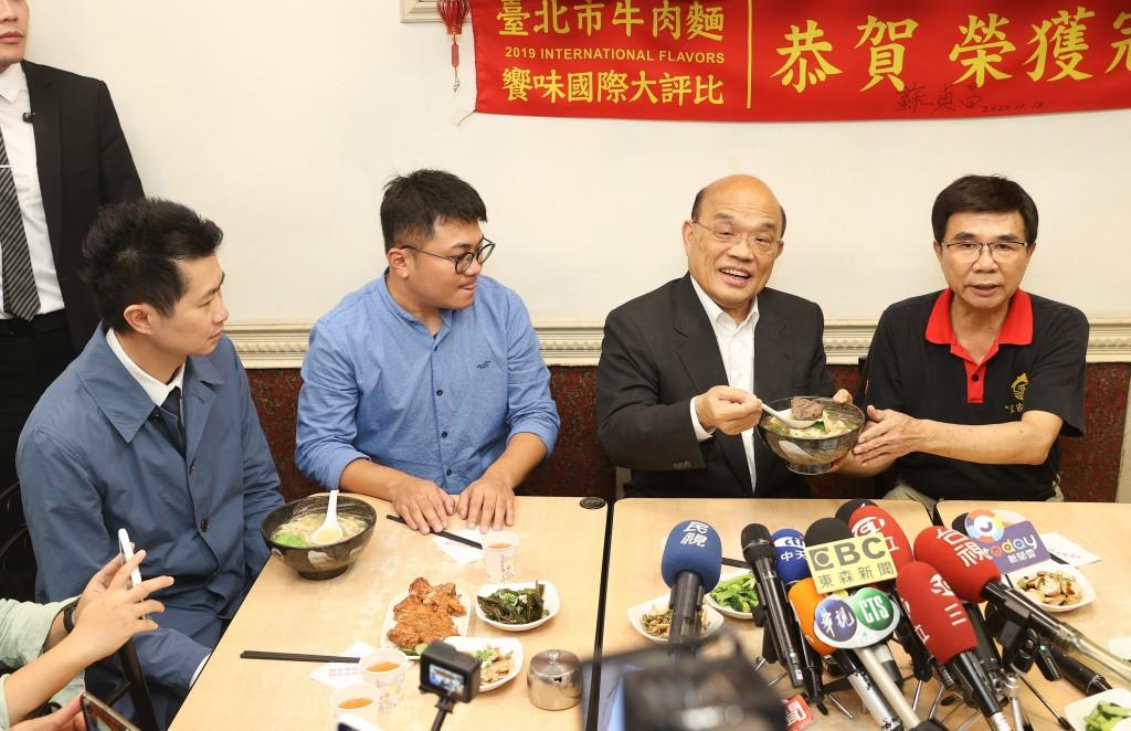 【萊牛失言風波】台灣行政院發言人丁怡銘請辭 台北市長柯文哲: 不是吃完牛肉麵就沒事了