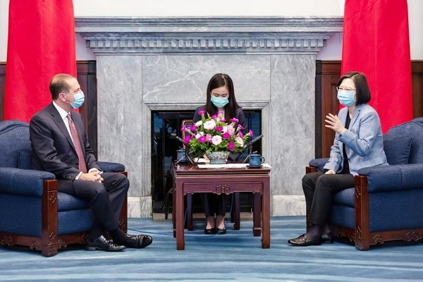 American Health Secretary Alex Azar (left) meets with Taiwanese President Tsai Ing-wen in August.