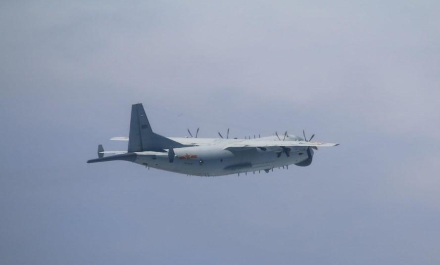 Chinese Y-8 anti-submarine plane on Nov. 24 (MND photo)