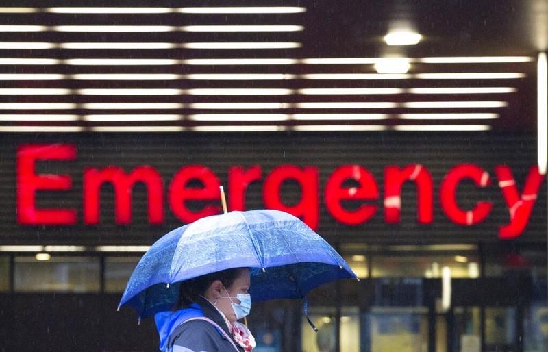 示意照為加拿大溫哥華一家醫院的急診室外觀 (美聯社)
