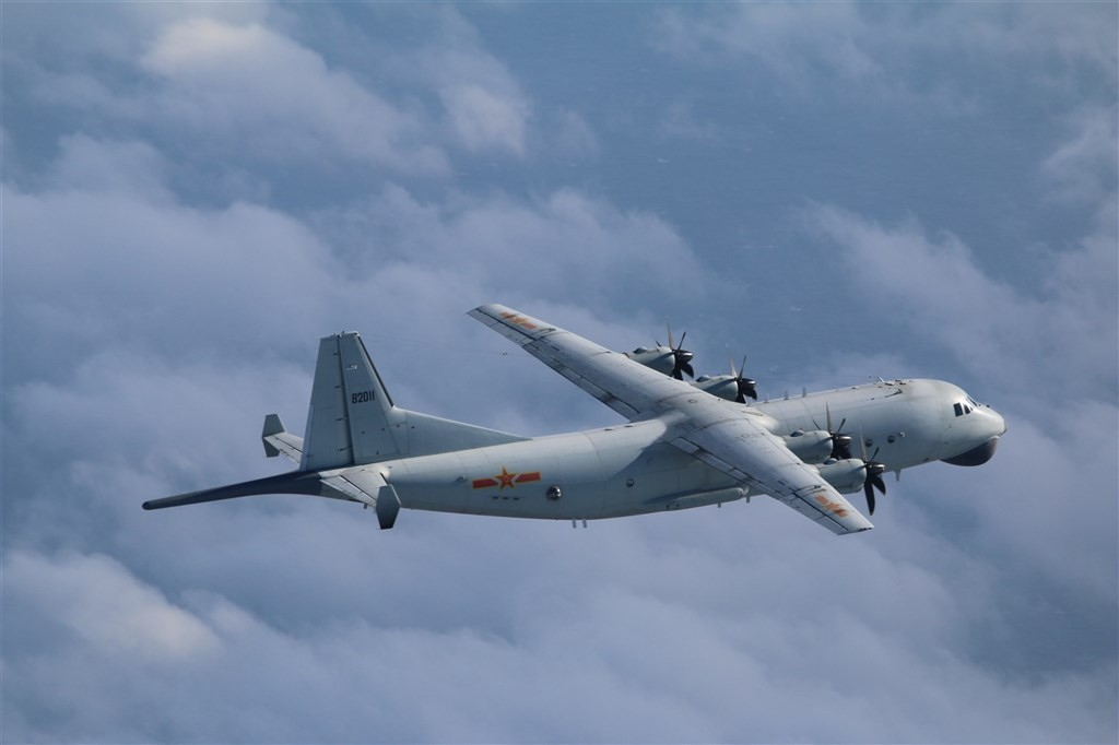 A Chinese Y-8 anti-submarine aircraft (CNA, Ministry of National Defense photo)