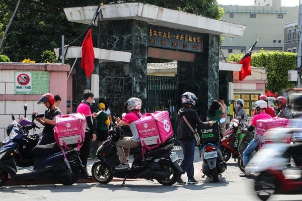 Taiwan sees large increase in number offood-delivery orders during pandemic.