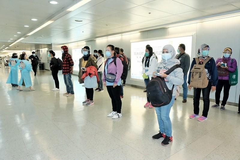 中央流行疫情指揮中心11月30日表示,有鑑於印尼武漢肺炎疫情嚴峻,宣布從12月4日至17日,將暫停引進印尼籍移工入境來台工作2週。圖為30...