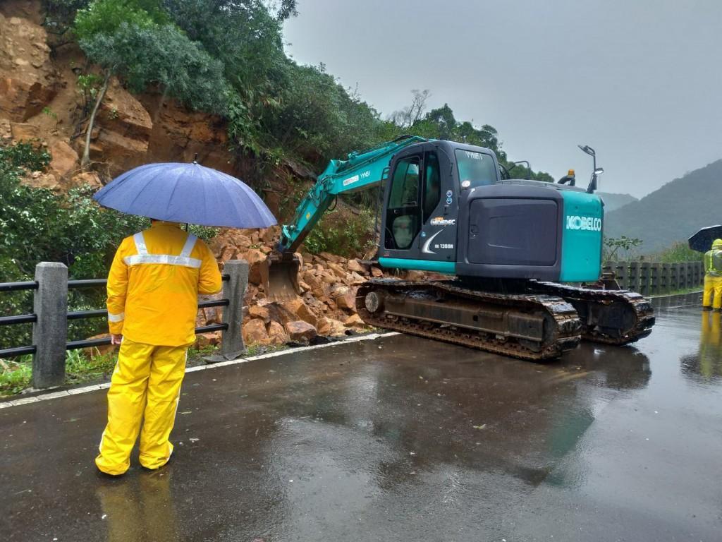 【最新!】台灣北往東鐵路14日恢復單線雙向通車•行經瑞芳-猴硐區間列車限速40公里慢行 持續監控邊坡確保安全