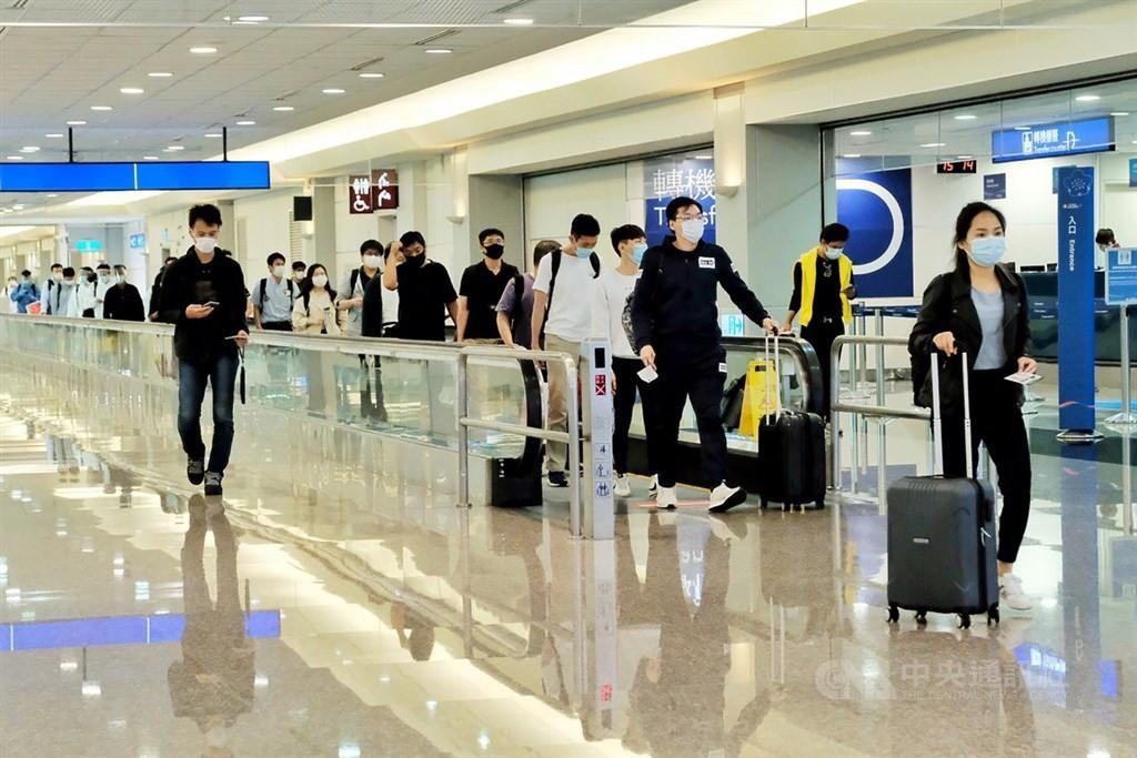 【新冠肺炎+2】來自美國 其中一人為國籍航空機師 發病前4天在台灣