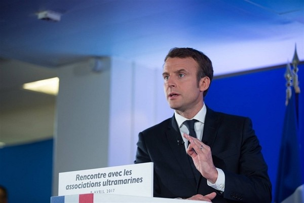 (Facebook,Emmanuel Macron photo)