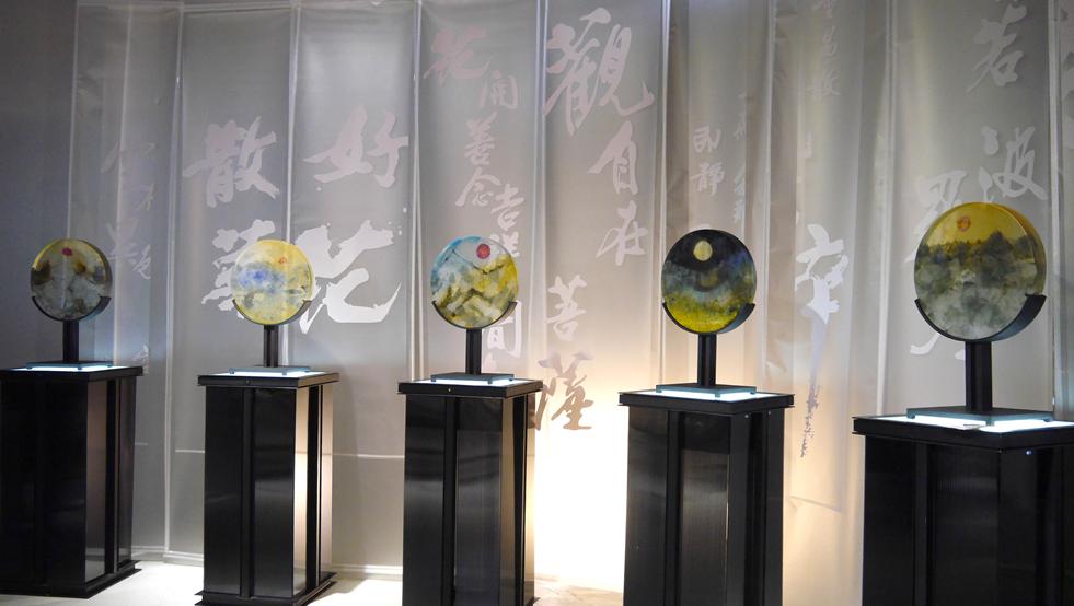 琉璃工房創辦人張毅展覽「至善前行」於今(20)日開幕(圖/琉璃工房)