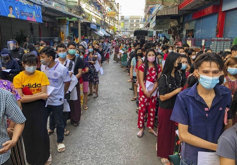 泰國海鮮市場爆數百移工群聚感染 曼谷如臨大敵