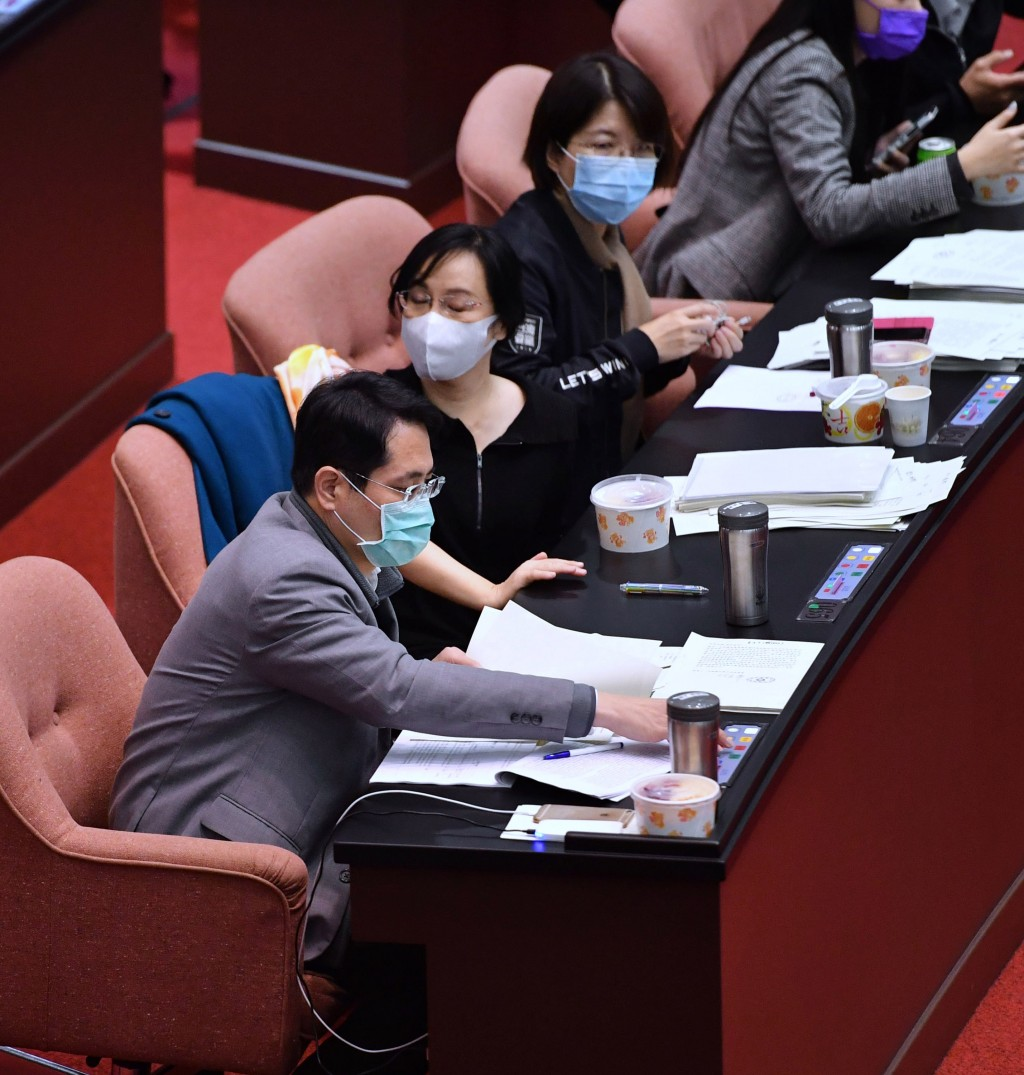 Lawmakers voted to approve pork imports