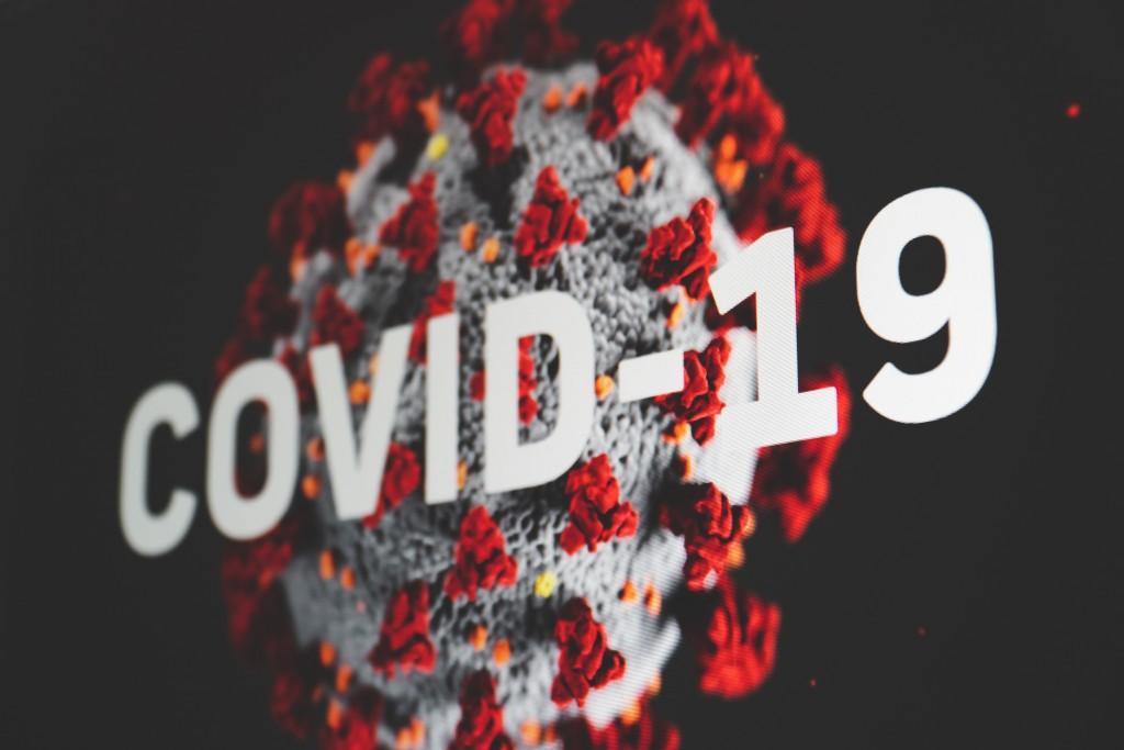 英國出現變種病毒疫情,中研院跨領域團隊近日分析發現,英國變種病毒為第6型的子型,繼續變異恐難以避免。(圖/Unsplash)