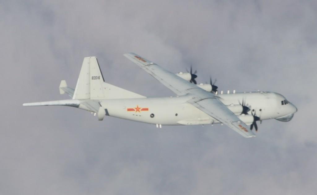 Chinese Y-8 on Dec. 29 (MND photo)