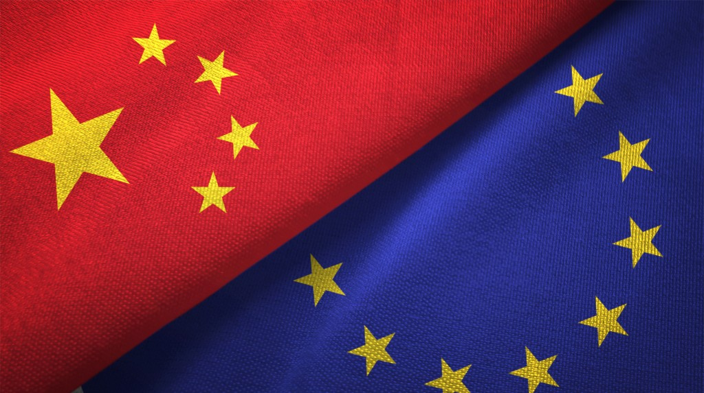 EU, Chinese flags (Getty Images)