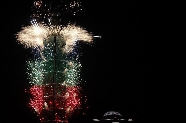 Taipei 101 fireworks(Flickr, Kyleme photo)