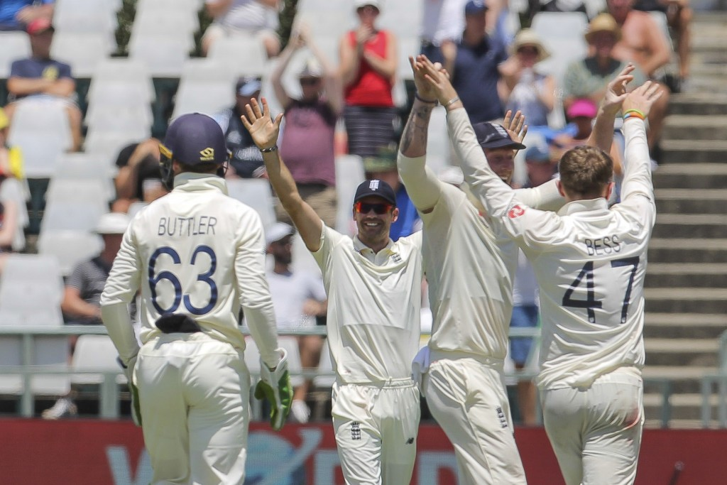 England celebrate the wicket of South Africa's captain Far Du Plessis during day five of the second cricket test between South Africa and England at t...