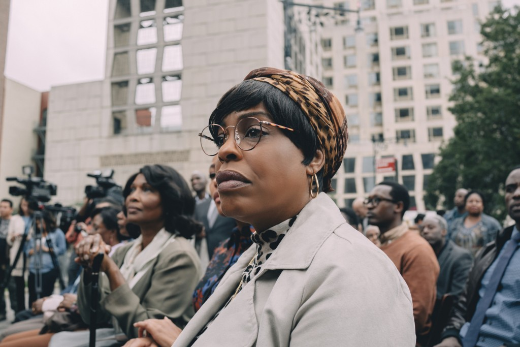 """This image released by Netflix shows Niecy Nash in a scene from """"When They See Us."""" Nash will be honored at the 2020 Black Women in Hollywood Awards. ..."""