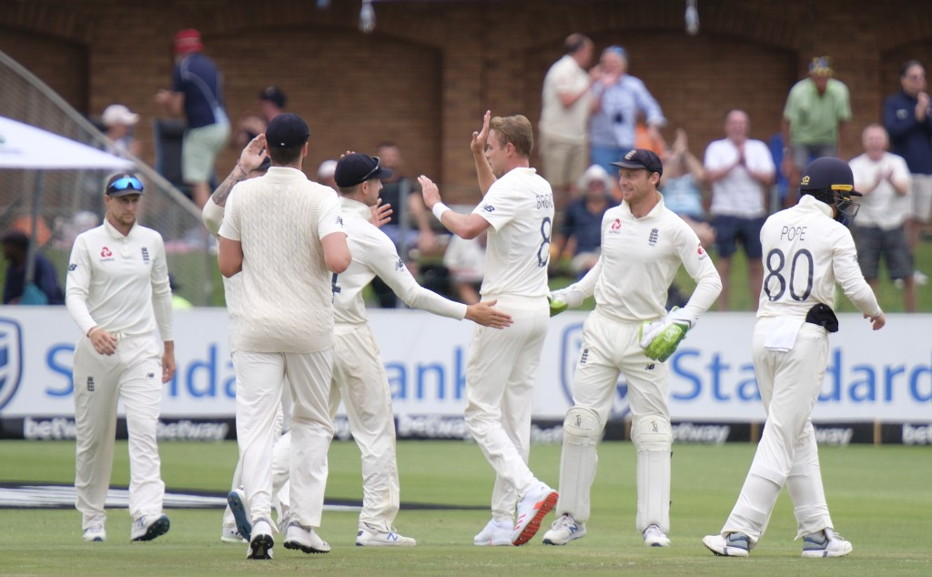 Stuart Board Bowler of England third from right celebrates with Joe Denly batsman of Englandthird from left after taking Keshav Maharaj of South Afric...