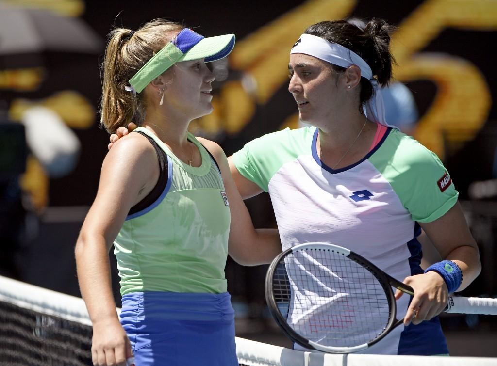 Kenin rolls into Australian Open semifinals