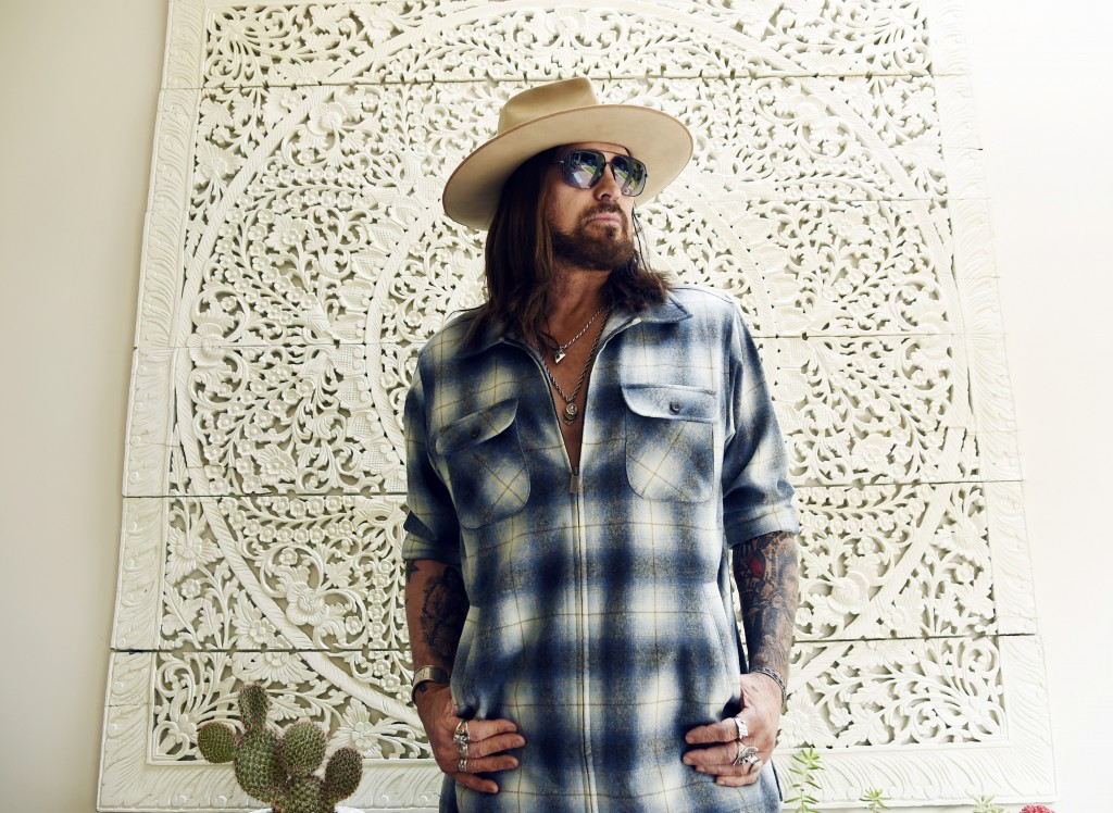 "CORRECTS NAME OF THREE-SONG EP TO ""THE SINGIN' HILLS SESSIONS VOL. 1 SUNSET"" -  Singer-songwriter Billy Ray Cyrus poses for a portrait at his home in ..."