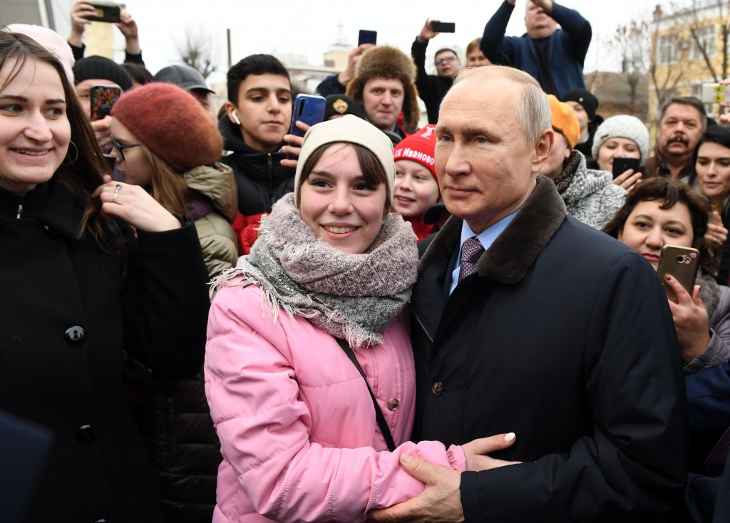 Russia bill allows Vladimir Putin to stay in power past 2024