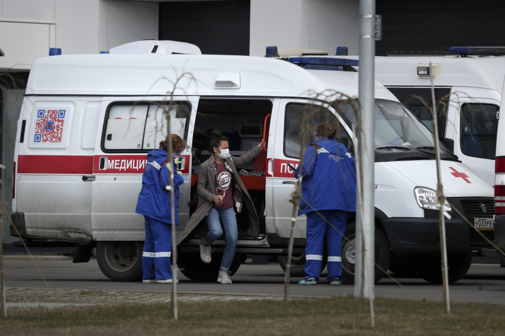 Russian aid arrives in Italy to help fight virus