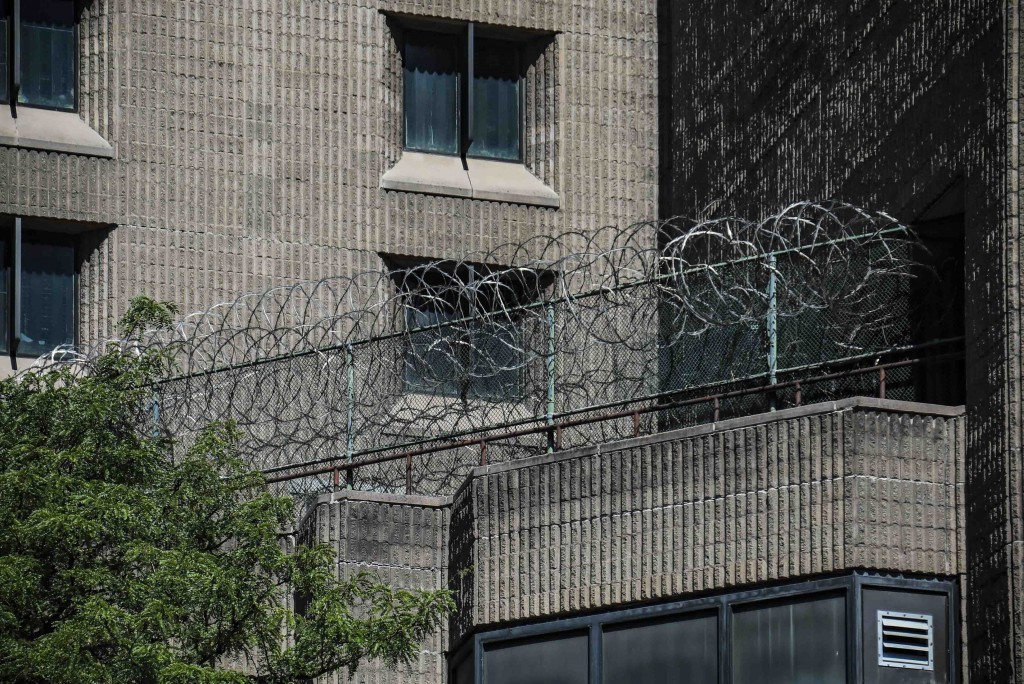 Federal Inmate Dies of Coronavirus After Giving Birth While on Ventilator